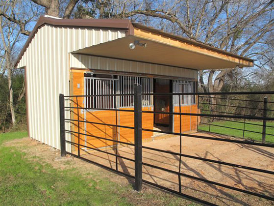 how to build a free standing horse stall